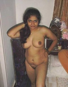 desi aunty big boobs pic
