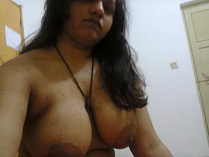indian aunty big boobs photo