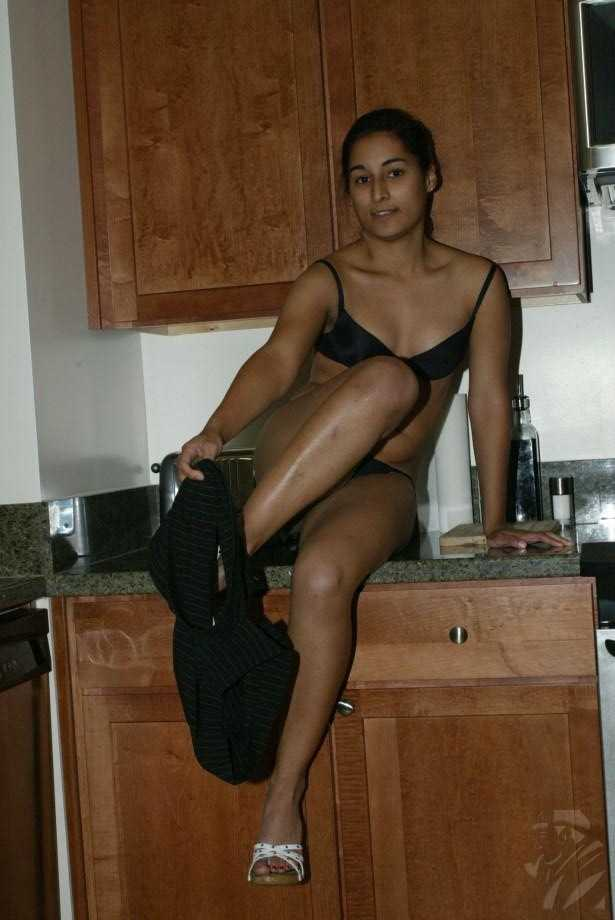 nude Indian kitchen girls