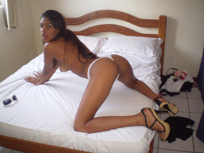 Tattooed black girl webcam