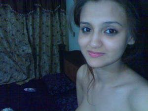 nice looking panjabi hot girl pic