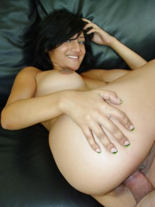 nude babe showing gaand