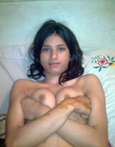 secretary showing boobs pix