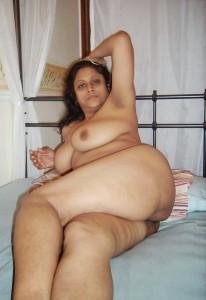 sexy bedroom boudi hot nude image
