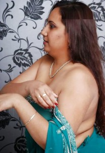 sharee wearing nude bhabi pic