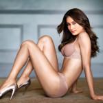 bollywood actress sonam kapoor in hot bikini