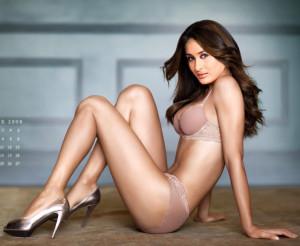 Bollywood Actress Kareena Kapoor Khan in Black bikini