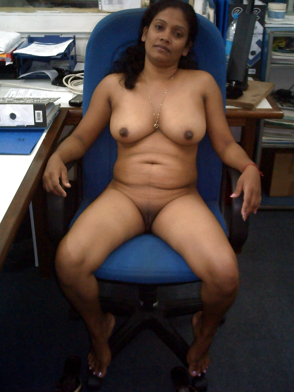 office nude girls indian