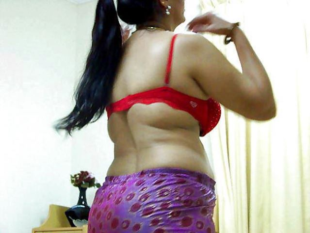 sexy bra bhabhi indian photo saree