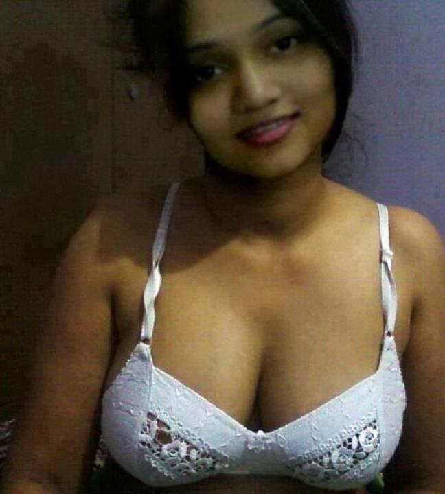 Sexy indian girls breast — 1