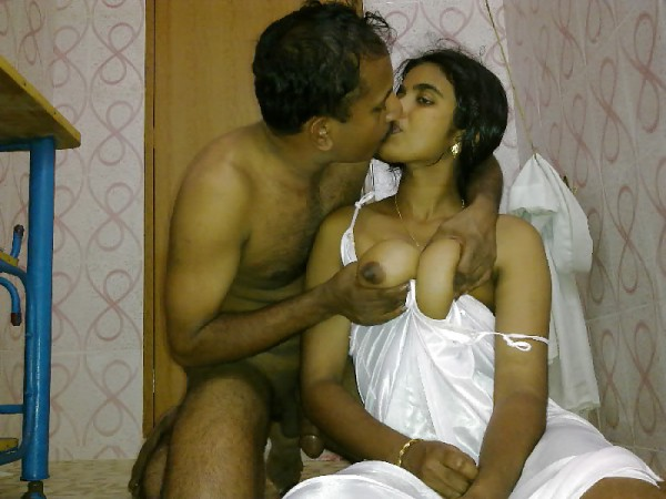 from Juelz nude indian married couples