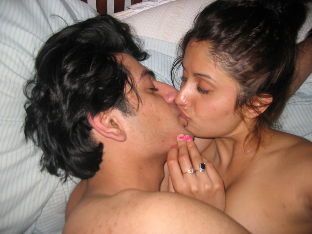Kissing and indian fucking desi