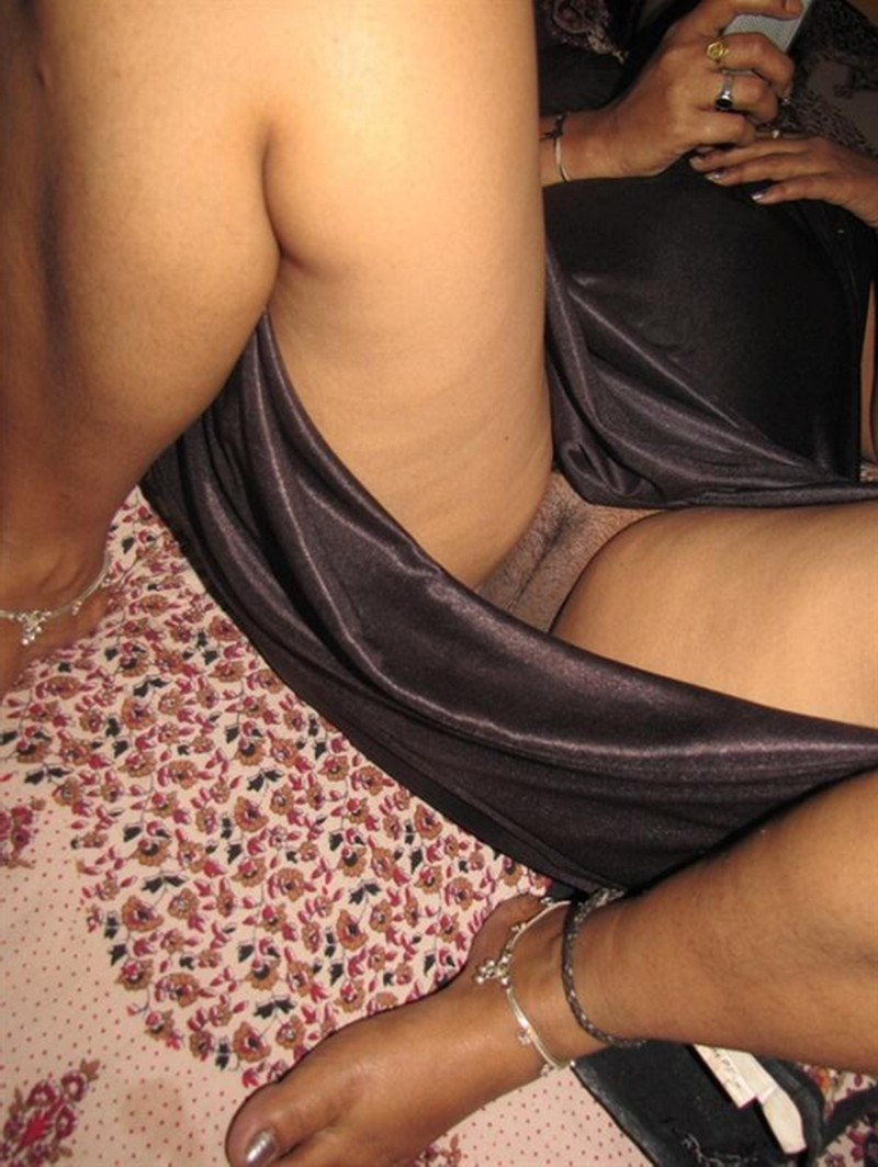 indian saxy and young mummy ki nude pics