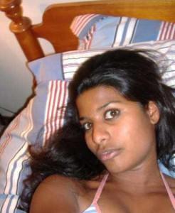desi horny bhabi getting nude pix