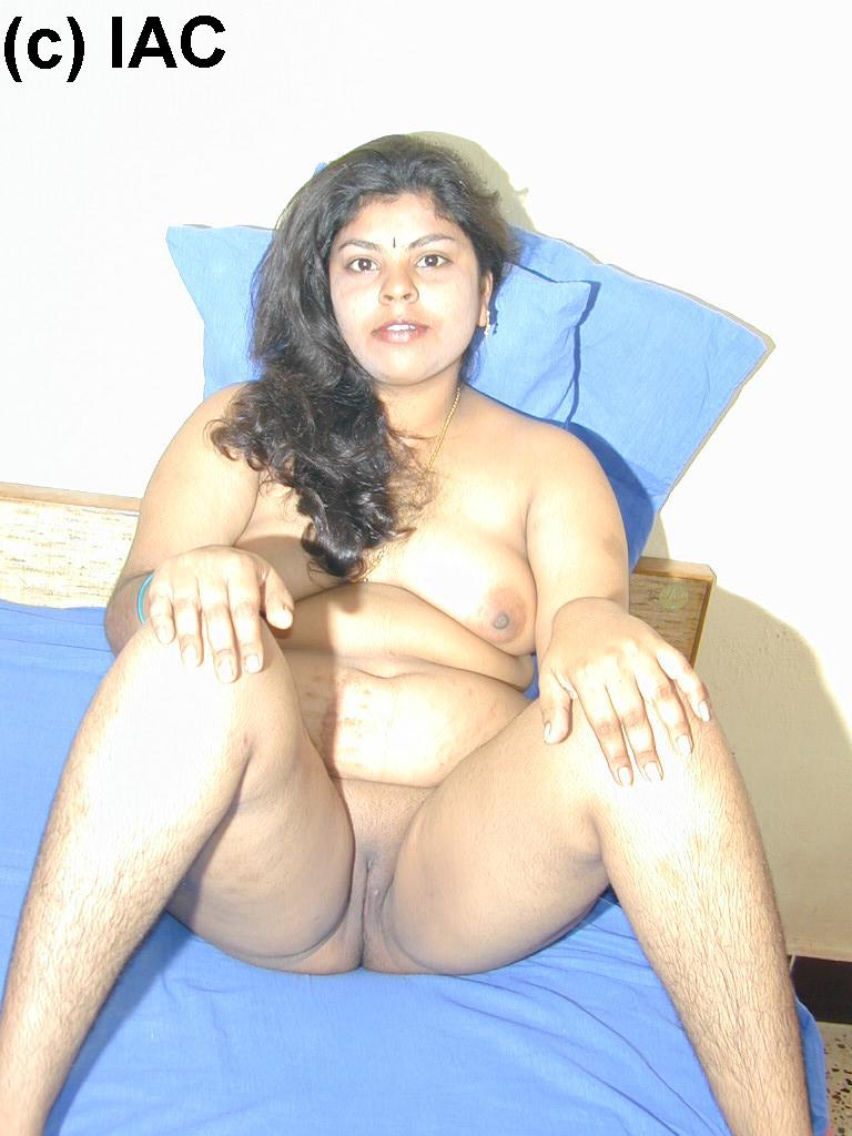 Mom posing photos mallu nude