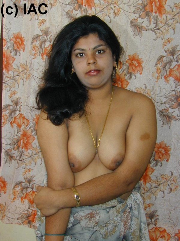 hot indian mallu bhabhi seduceding image gallery