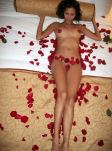 naked pakistani girl rose petel bed honeymoon xxx pic