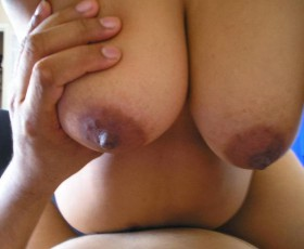 new wed vhabi ke hubby ne boobs press kiya