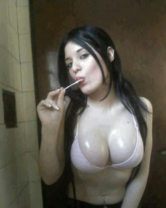 paki hot girl ke attractive body boobs photo