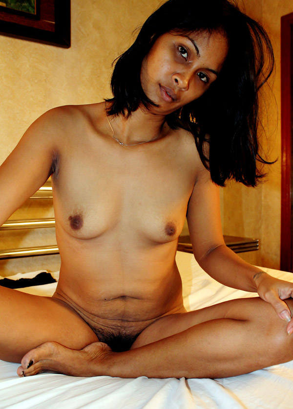 Naked girl of india without panties sorry