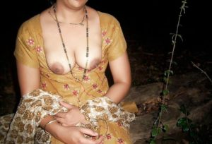 big boobs desi indian bhabhi outdoor nude photo