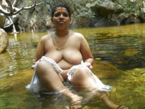 gorgeous nude aunty naked pic