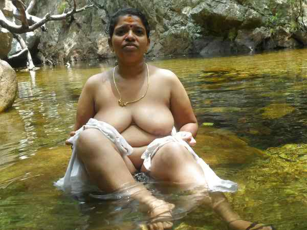 kerala-village-naked-bath-girls-porn