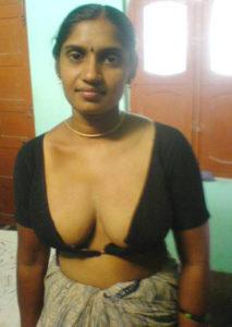 mast mamme south indian desi chuchi photo