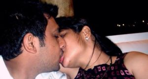 naked indian couple kissing liplock xxx image