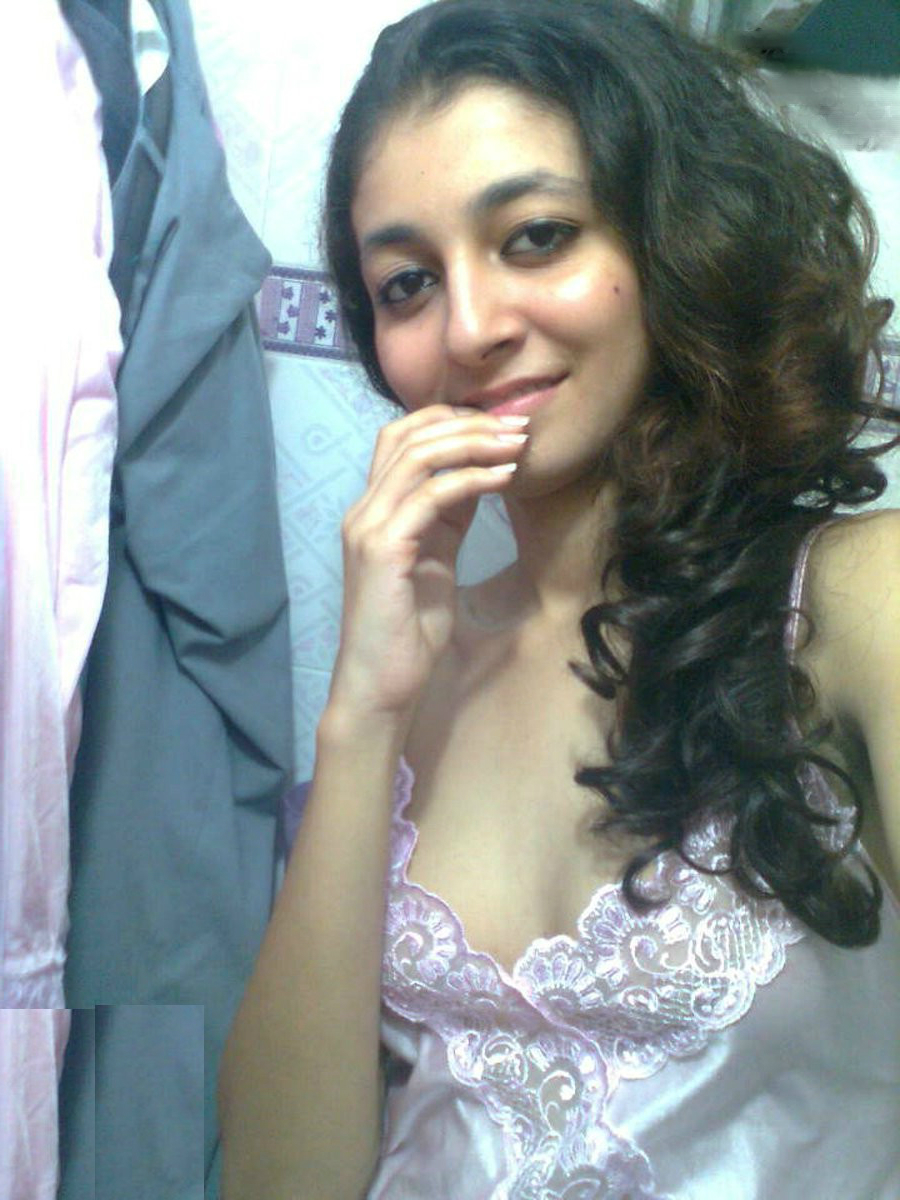 image Desi cute teen girl playing with her boyfriend on cammms