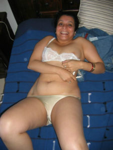 curvy-fun-desi-milf-hot-erotic-pic