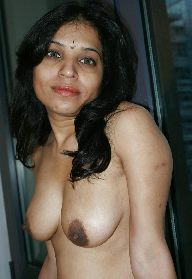 hauseeife nude indian