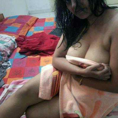 Nude hot indian moms — pic 2