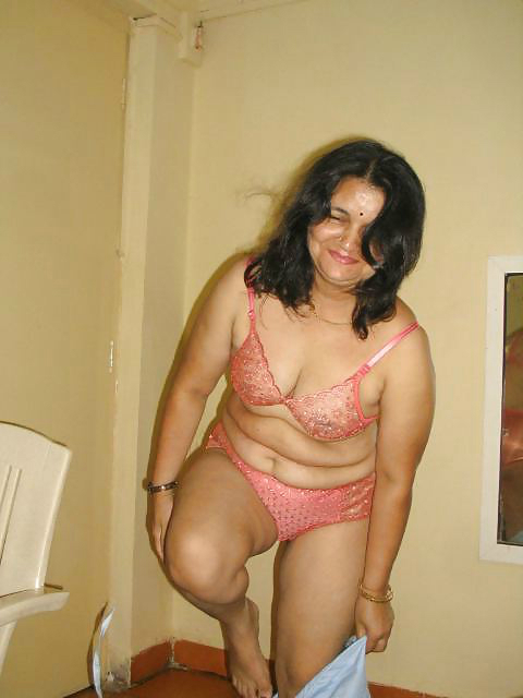 nude Tamil hot photos milfs