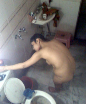 kinky-shower-photo-curvy-desi-bhabhi