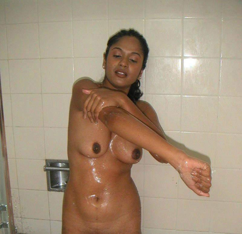 girl shower Desi