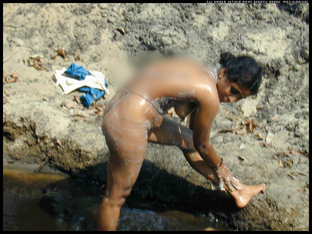 nude bathing indian girls