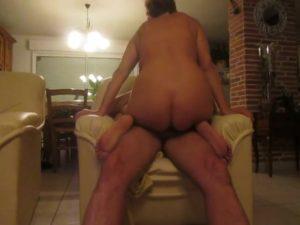 nude milf having sex