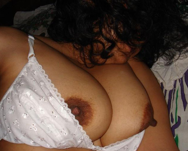 naked Thick indian women sexy