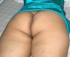 curvy babe nude ass
