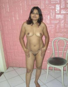 nude tits curvy desi babe