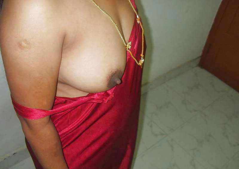 Anu Aunty Tempting Boob Squeezing Cam Show -