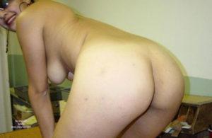 desi hottie nude hips