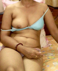 desi indian naked boobs
