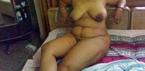 hottie babe small nipple