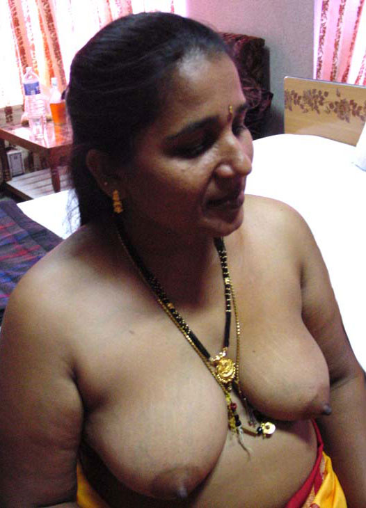 boobs auntie nude