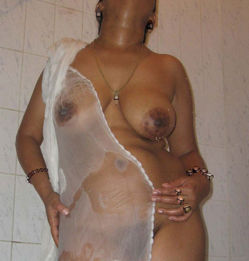 in new aunties bathing nude full Sexy