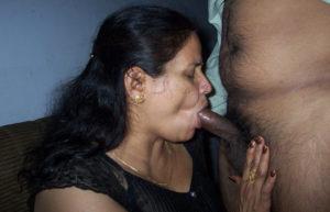 aunty sucking black cock