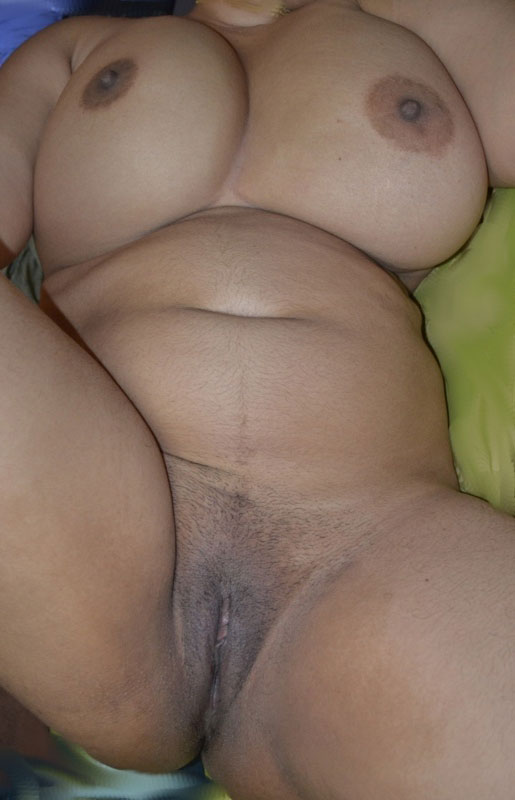 indian aunty big natural tits