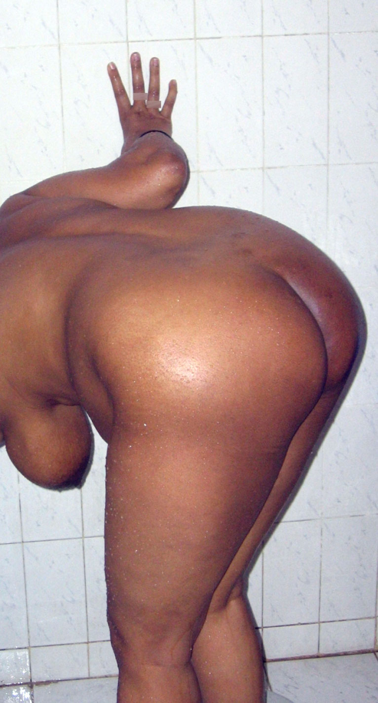 Mature nude ass tan lines